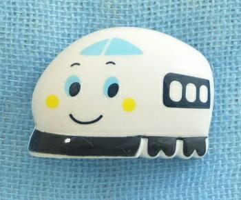 メーカー完売 キャラクターボタン サンリオ シンカンセンRIO−1512B レリーフボタンL  日用品雑貨・文房具・手芸 手芸・クラフト・生地 和洋裁材料 ボタン