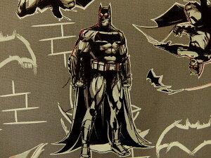 在庫処分 キャラクター生地 布 正規ライセンス品 USAコットン バットマン VS スーパーマン ジャスティスの誕生 23420103−1 バットマン アイアン 商用利用不可
