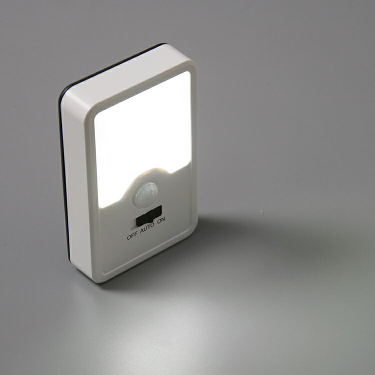 【3個セット・送料無料】センサーライト LEDライト LED 人感センサーライト 屋内 電池式 配線不要 3灯 自動点灯消灯 防災 照明 電気 玄関ライト 足元灯 スポットライト 階段照明 間接照明 LED