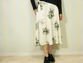 【70%OFF】Marquise de Blanc(マルキスデブラン)上質花柄プリント生地日本製フレアスカート(500円クーポン可)