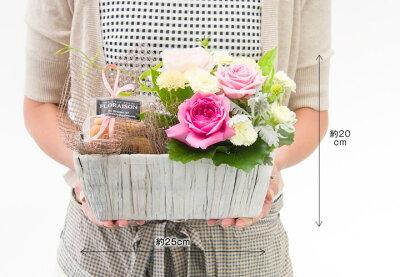 送料無料お誕生日母の日花アレンジメントにバラのやさしいオシャレなアレンジメントにロハスクッキーを添えてスイーツセット花歓迎送迎入学祝い女性花ギフト【楽ギフ_メッセ入力】【楽ギフ_包装】10P04Jan15