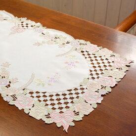 テーブルセンター約40x90cm【ゆうパケット選択可】リボンとローズ刺繍&カットワーク