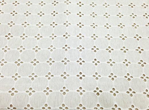 綿ニットカットワークサークルレース生地(オフ) 綿ニット 綿 ニット 生地 刺繍 オリジナル 透け感 涼しげ 春 夏 定番 手芸 手作り エンブロイダリーレース
