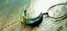 『上弦の月〜華麗〜』ガラスアクセサリーネックレス・ペンダントダイカット(平面造形)タイプ