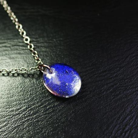『笑顔の詩 〜 紫苑 〜』 ガラスアクセサリー ネックレス・ペンダント 円・楕円・ドロップタイプ