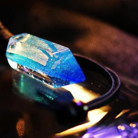 『BLUE CRYSTAL』 ガラスアクセサリー ネックレス・ペンダント 立体造形タイプ