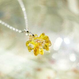 『小春日和の桜』 ガラスアクセサリー ネックレス・ペンダント ダイカット(平面造形)タイプ