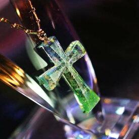 『Graceful cross』 ガラスアクセサリー ネックレス・ペンダント クロスタイプ