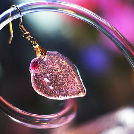『キラキラ★イチゴ』 ガラスアクセサリー ピアス・イヤリング
