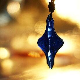 『Jewelry ancients』 ガラスアクセサリー ネックレス・ペンダント クロスタイプ