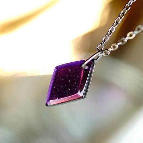 『Violet sea diamond』 ガラスアクセサリー ネックレス・ペンダント 四角・多角・星タイプ