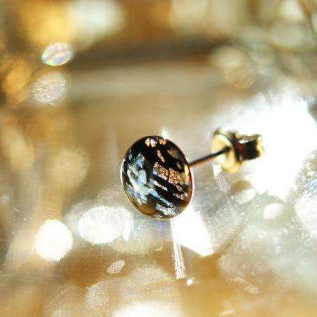 『漆黒の煌き』 ガラスアクセサリー ピアス・イヤリング