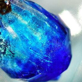 『燃える水のかけら』 ガラスアクセサリー ネックレス・ペンダント 立体造形タイプ