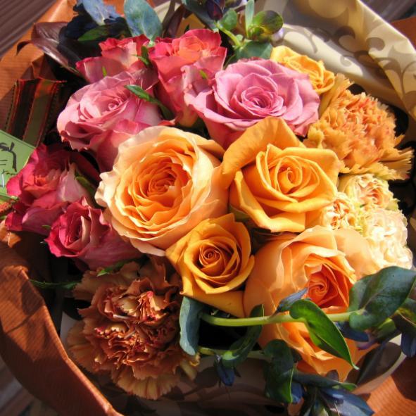シャルメトール花束■花 アレンジメント 花束 ローズ ばら 薔薇 記念日 結婚祝い 贈り物 お祝い即日発送 フラワー ギフト プレゼント 誕生日 出産祝い 結婚記念日 開店祝い スタンド花 バラ お供え お悔やみ オレンジ ホワイトデー ひな祭り