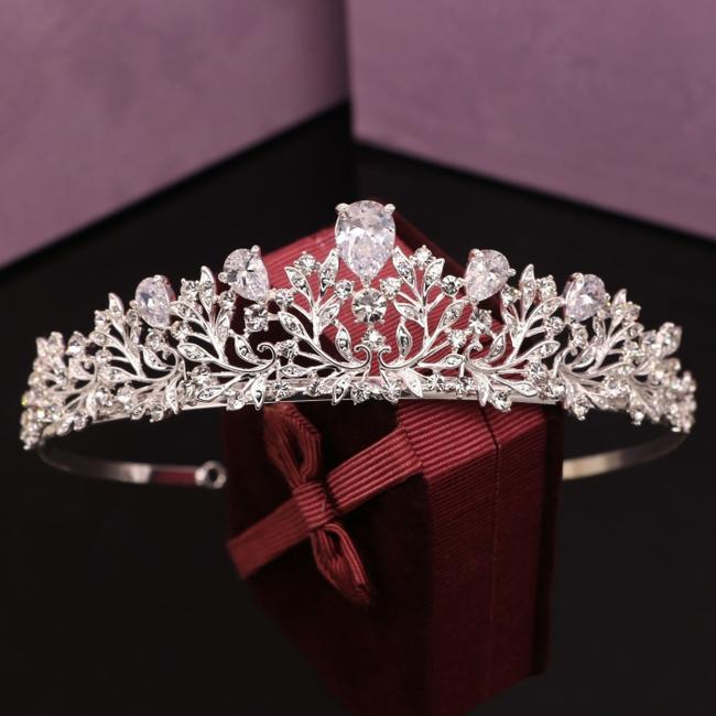 二次会 パーティー ウェデイング ブライダル 結婚式 上品クリアティアラ AAA級ジルコニア森の妖精ティアラ ヘッドドレス ティアラ カチューシャ