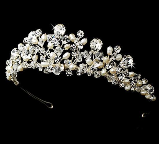 二次会 パーティー ウェデイング ブライダル 結婚式 大粒クリスタルと淡水パールの透明感があふれるクリスタルティアラ 清楚なパールクリスタル カチューシャ ヘッドドレス(値下げしました)