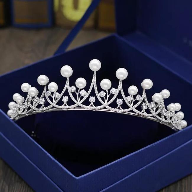 【再入荷】二次会 パーティー ウェデイング ブライダル 結婚式 真珠ティアラ ジルコニアティアラ ヘッドドレス カチューシャ