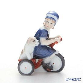 ロイヤルコペンハーゲン (Royal Copenhagen) フィギュリン エルスと三輪車 13.5cm 5021005 北欧 クリスマス 置物 オブジェ 人形 インテリア