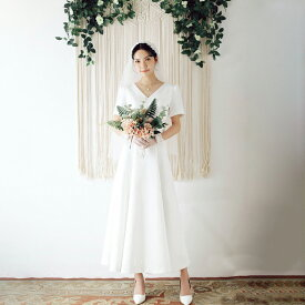 ウエディングドレス 大きいサイズ 小さいサイズ ミモレ丈 スレンダーライン 袖あり 半袖 Vネック 二次会 花嫁 背中開き レースアップ シンプル 結婚式