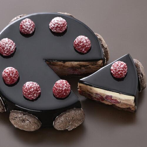 【送料無料!】3種のチョコレートの味わいにフランボワーズの酸味が調和する『ショコラフランボワーズ』【smtb-T】【誕生日】【記念日】【内祝い】