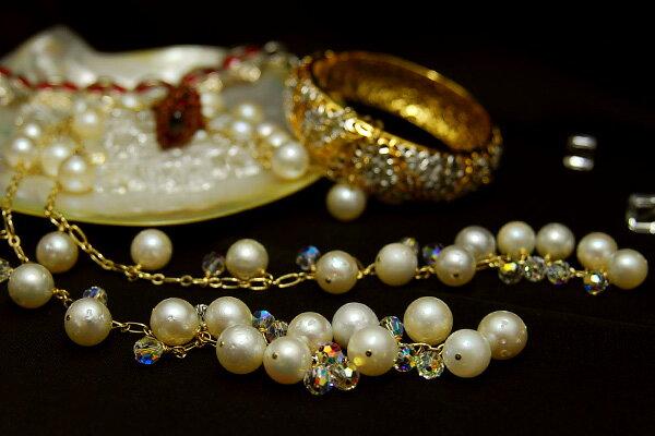 コラボ企画デザイナーズジュエリー第一弾! 南洋真珠をじゃらじゃらと贅沢に! カジュアルにもパーティーにもアレンジ自在 10mm白蝶真珠ラリエット