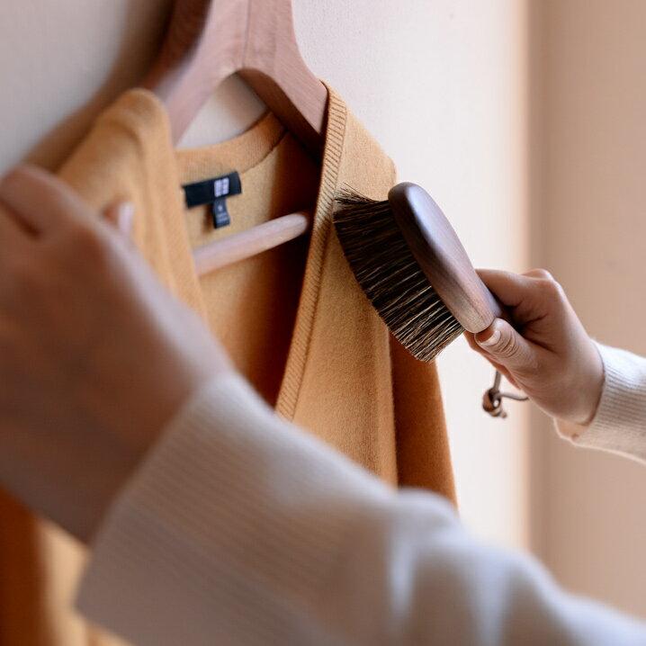 日本製 洋服ブラシ 馬毛 ショージワークス ウォールナット洋服ブラシ カシミア・シルク用 CB-2 花粉 ブラシ