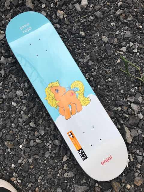 【ENJOI】MY LITTLE PONY SERIES ROJO DECK 7.75x 31.1 スケートボード デッキ Mellow Concave
