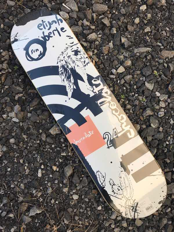 【CHOCOLATE】OUT WEST ELIJAH BERLE 7.875×31.25 Skateboard Deck チョコレート スケートボード デッキ