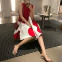 2019年新作 バイカラー ウエーブ デザイン Aライン フレア ワンピース 赤と白のコントラストの効いた配色が目をひく…