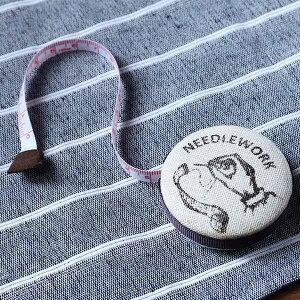 メジャー NEEDLEWORK ワンタッチ 1.5m ( スケール ものさし 定規 裁縫道具 ロータリーメジャー 手作り 裁縫 ソーイング 手芸用品 巻尺 クラフト テープメジャー )