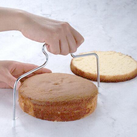 ケーキスライサー スポンジケーキ スライス補助具 ( 製菓道具 ケーキ スライサー カッター ケーキナイフ お菓子作り )