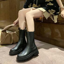 サイドゴアブーツ レディース 厚底 ヒール おしゃれ 可愛い かわいい 韓国 カジュアルシューズ カジュアルブーツ スクエアトゥ 女性用 婦人靴 くつ 靴 シューズ レディースシューズ ブラック 黒 ホワイト 白 韓流 アウトレット 2021 冬 秋冬 春