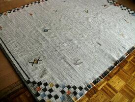 トラッドなギャッベ模様 キリム 房付 ラグ 100×140 ラグマット 厚手 北欧 夏 カーペット 絨毯 ホワイト ブラック 白色 黒色 グレー ギャベ ギャッベ WOOL