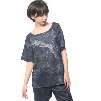 プーマ PUMA レディース フィットネス 半袖Tシャツ ダンサードレーピー グラフィックTシャツ 516173