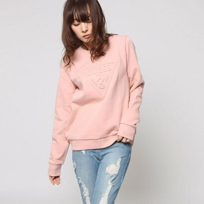ゲス GUESS EMBOSS TRIANGLE LOGO L/S CREW SWEAT (DARK PINK)