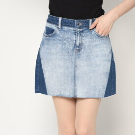 ゲス GUESS BRIGHT SHADOW DENIM MINI SKIRT (VENICE BLEACH WASH)