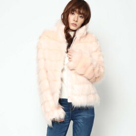 【アウトレット】ゲス GUESS ASAKO TIERED FAUXFUR JACKET (LIGHT PHARD)
