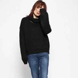 ゲス GUESS CUTOUT TURTLENECK LASH SWEATER (JET BLACK)