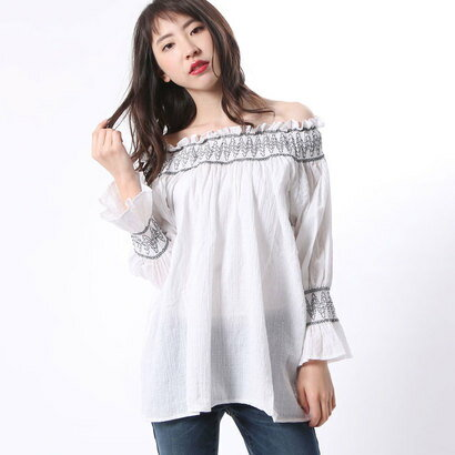 【アウトレット】ゲス GUESS OFF SHOULDER WOVEN BLOUSE (WHITE)