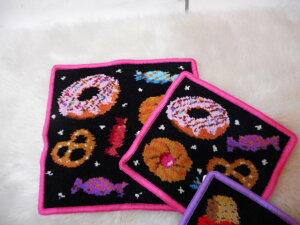 シェニール織 ハンドタオル ハンカチ スイーツ ドーナッツ ミニ 縁ピンク ギフト プレゼント 贈り物 レディース 高級感 母の日