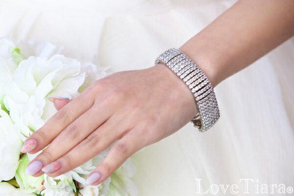 6連ジルコニアブレスレット   ブレスレット 腕輪 レディース キュー プレゼント ウエディング ブライダル 花嫁 結婚式 ブライダルアクセサリー ウエディングアクセサリー 海外挙式 2次会 パーティー お呼ばれ