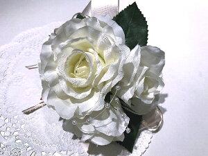 【コサージュ シルクローズとパール】//【送料無料】入学式 卒業式 結婚式 パーティ ドレス 母の日 可愛い キレイ 綺麗 キラキラ 薔薇 バラ パール 上品 ホワイト 白