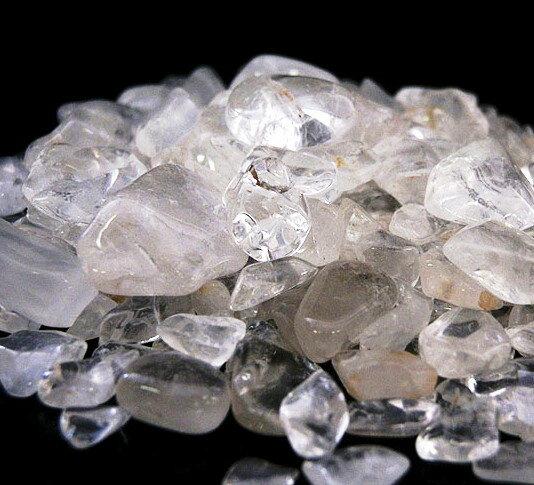 ヒマラヤ水晶さざれ 20x15ミリ〜5x3ミリ《マニカラン鉱山産》100g