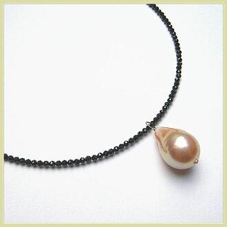站着,过分雕琢的式样K10迷人形状记忆黑色尖晶石项链跟从天然的颜色大颗粒淡水珍珠特里