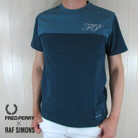 フレッドペリー × ラフシモンズ FRED PERRY×RAF SIMONS Tシャツ 半袖 メンズ カットソー SM5134 / H83 / ブルー サイズ:38/40/42