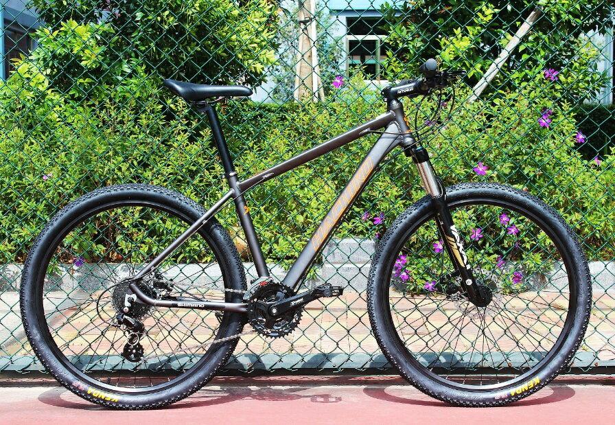 送料無料税込みハチコHACHIKO 27.5インチマウンテンバイクSHIMANO 24級 変速 前後ディスクブレーキ装着 軽量アルミ フレーム グレー MountainBike-gray