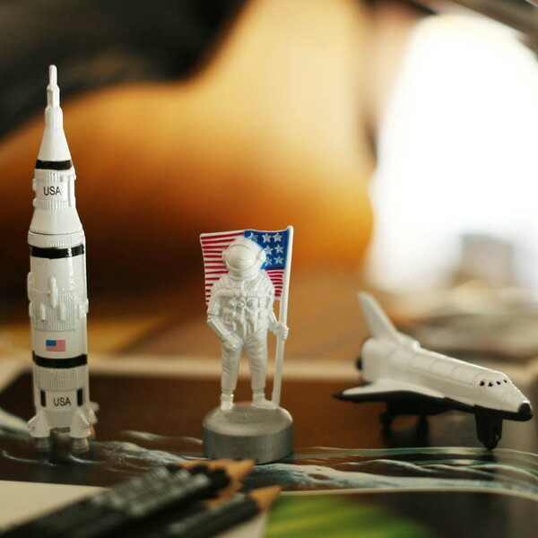 【ダルトン】【鉛筆削り】 ダイカスト ペンシルシャープナー ロケット STS 宇宙飛行士【DULTON 文房具】 (G726-914SR/G726-914STS/G726-914AN)
