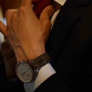 カシス時計ベルトADONARACAOUTCHOUCSHINY(アドナラカウチックシャイニー)装着イメージ