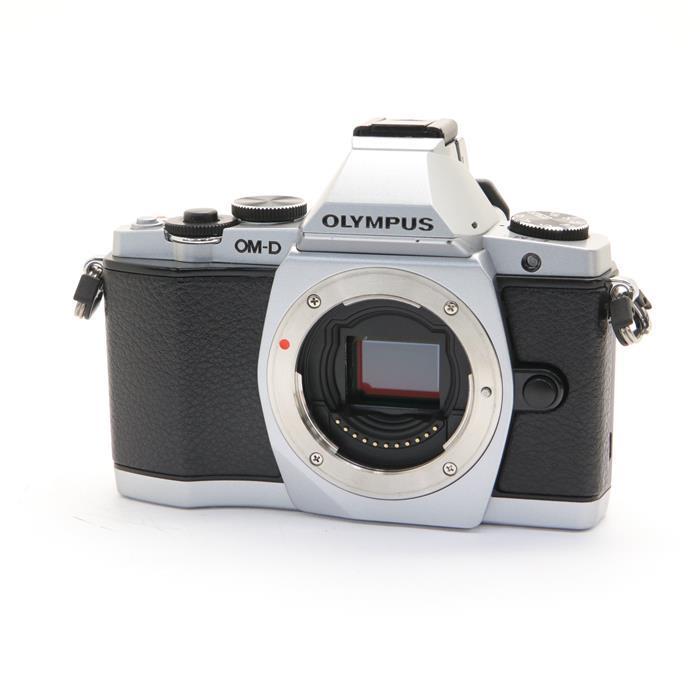 【あす楽】 【中古】 《良品》 OLYMPUS OM-D E-M5 ボディ シルバー [ デジタルカメラ ]
