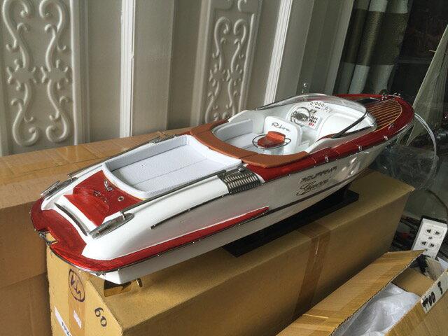 手作り木製模型 モーターボート RIVA GUCCI SHI-021 *模型*